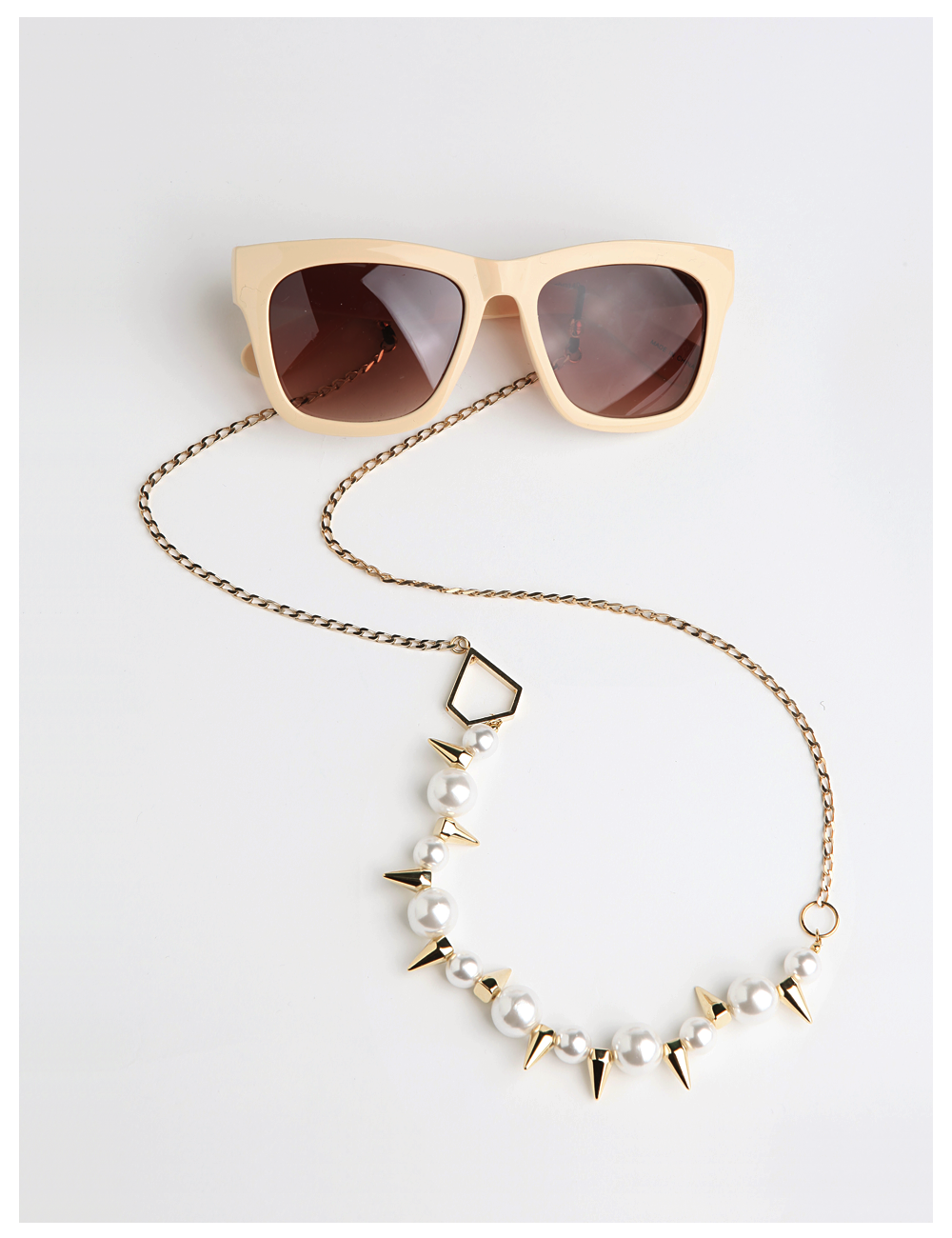 ELLEBENE WHITE_EYE GLASS CHAIN