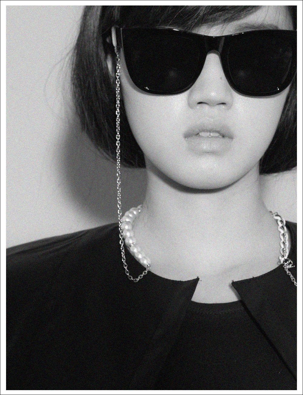 COCO WHITE_EYE GLASS CHAIN