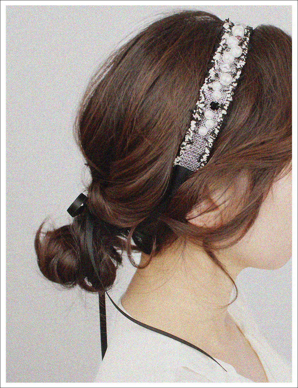 Graceful Retro Hairband