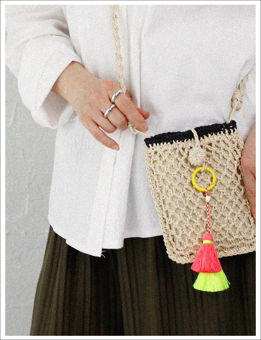 Bombom straw phone pouch_Light Beige